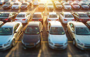 Jaki jest koszt wynajmu miejsca parkingowego w biurze w Łódzi