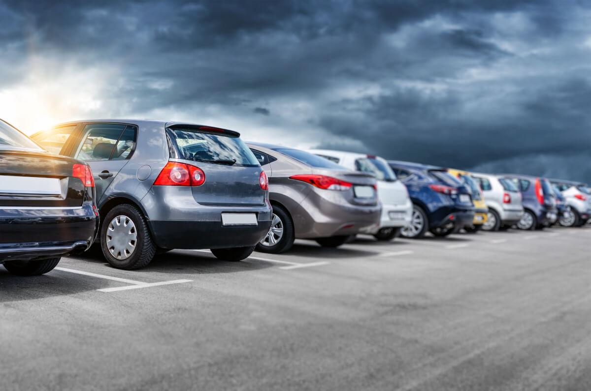 Jaki jest koszt wynajmu miejsca parkingowego w biurze w Piasecznie
