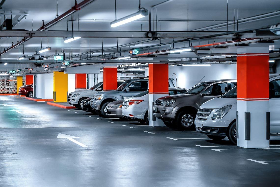Jaki jest koszt wynajmu miejsca parkingowego w biurze w Bydgoszczy?