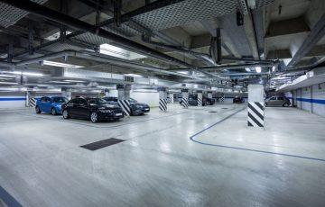Jaki jest koszt wynajmu miejsca parkingowego w biurze w Gliwicach?