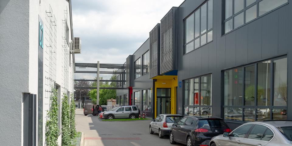 JUTRZENKA PARK SMALL BUSINESS UNITS - zdjęcie 2
