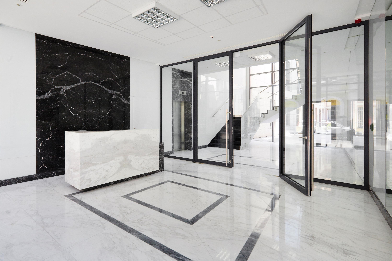 PLAC ZAMKOWY – BUSINESS WITH HERITAGE - zdjęcie 3