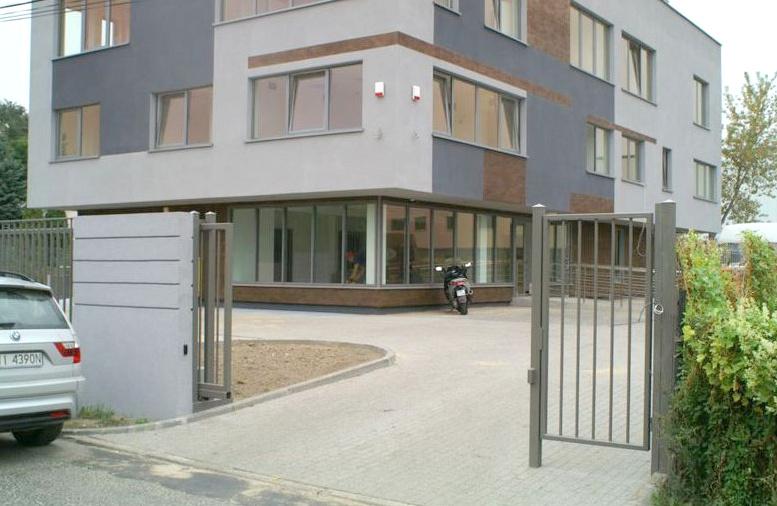 VAMIK BUILDING - zdjęcie 1